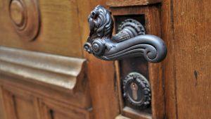 דלת הבית ראשית