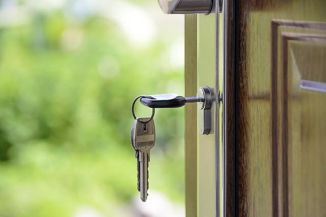 דלת הבית