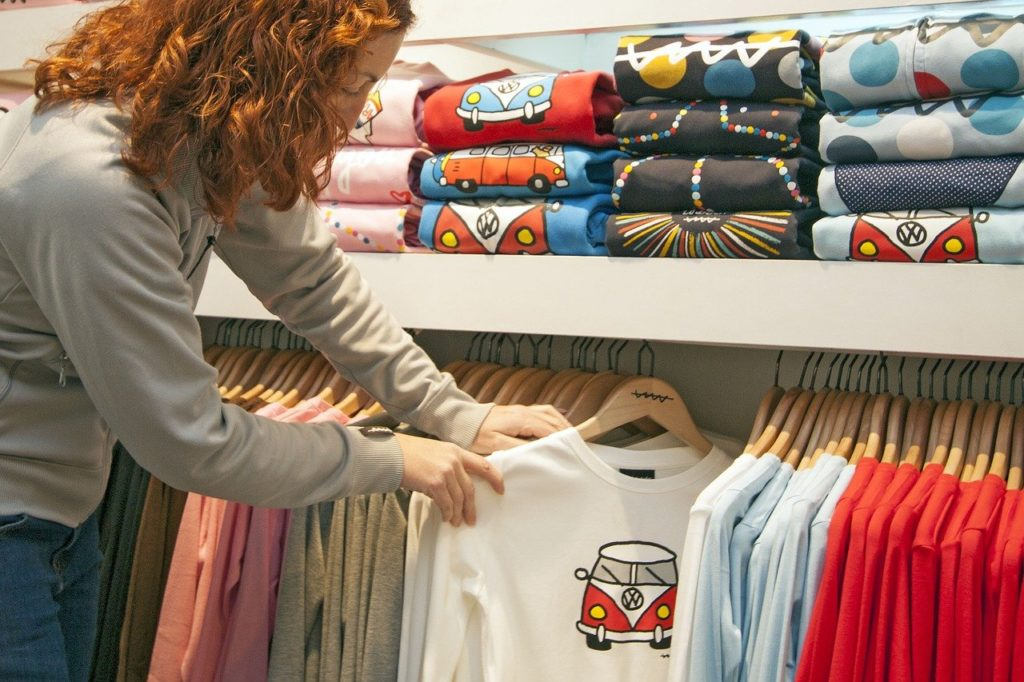 בחירת חולצה